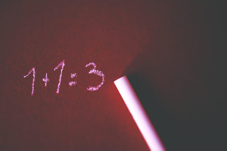 addition-board-chalk-close-up-374916