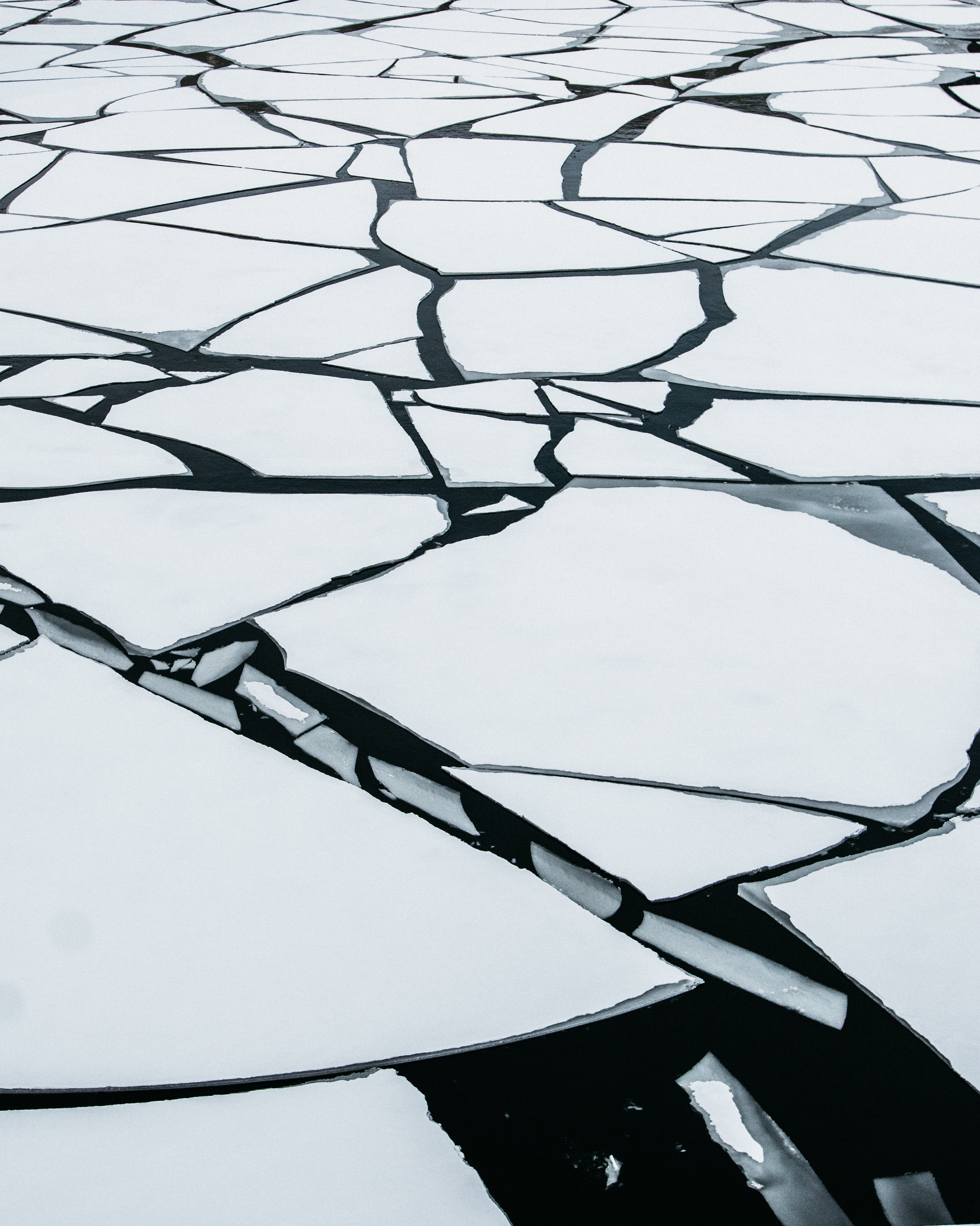 cracked-ice-3612312