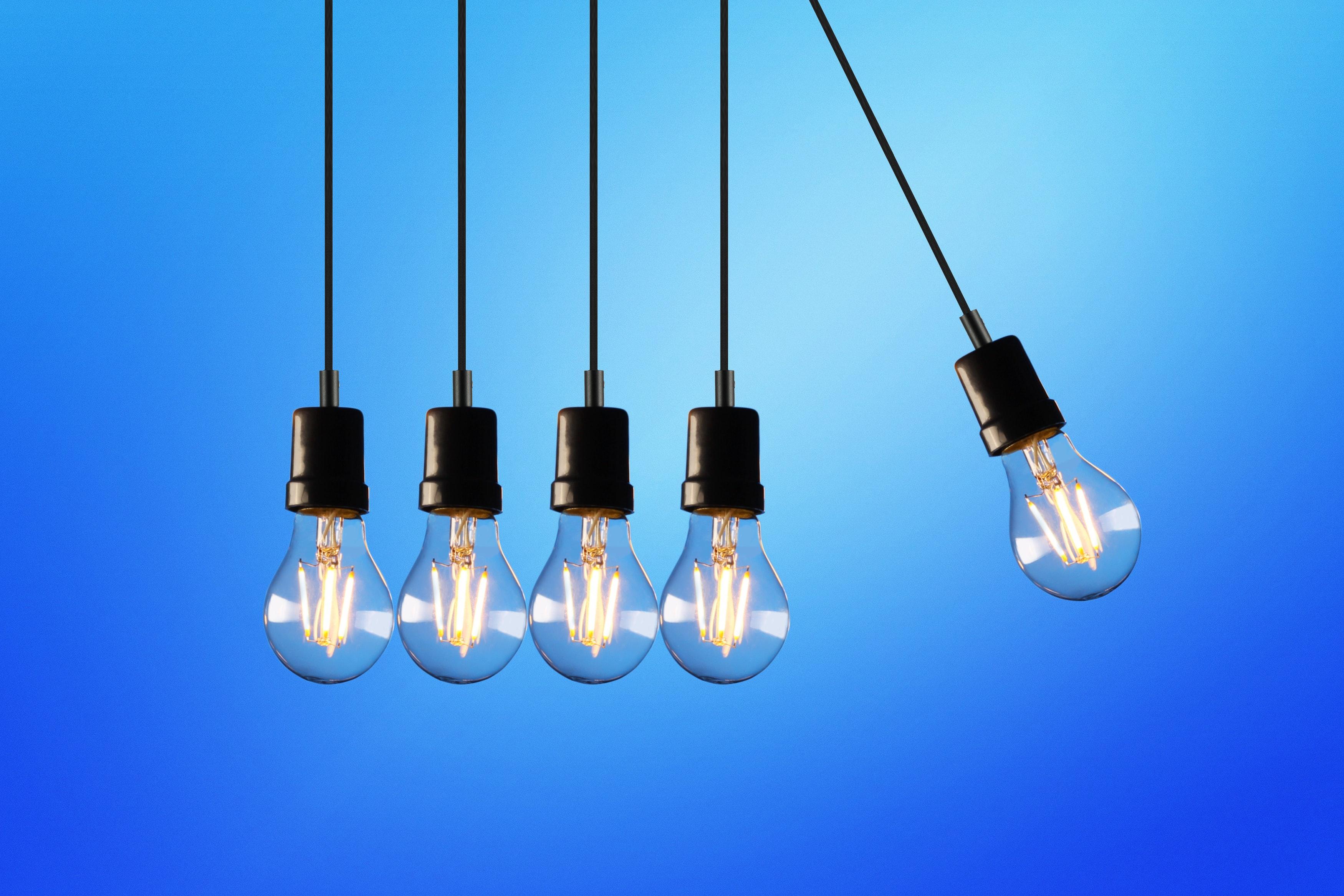 five-bulb-lights-1036936